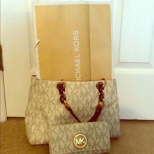 Michael Kors pocket book, wallet and shopping bag